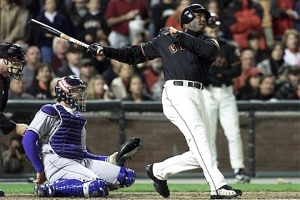 Barry Bonds hits his 71st home run of the season in 2001 (COURTESY OF MLB.COM)