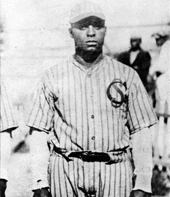 Oscar Charleston (NATIONAL BASEBALL HALL OF FAME LIBRARY)