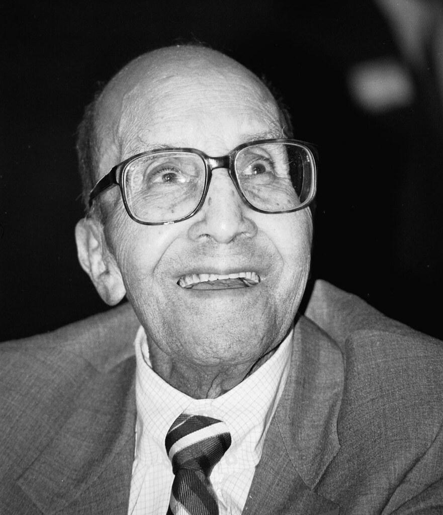 Sam Lacy at his 99th birthday party in 2003 (JOHN MATHEW SMITH, CC BY-SA 2.0)