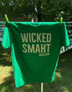Wicked Smaht t-shirt (JOANNE HULBERT)