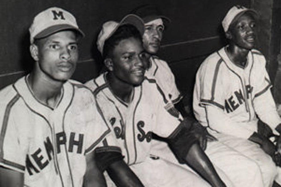 Charley Pride with the Memphis Red Sox (CHARLEYPRIDE.COM)