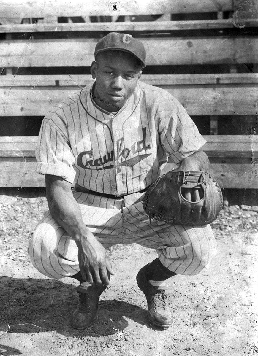 Josh Gibson is pictured with the Pittsburgh Crawfords in the mid-1930s. (NATIONAL BASEBALL HALL OF FAME LIBRARY)