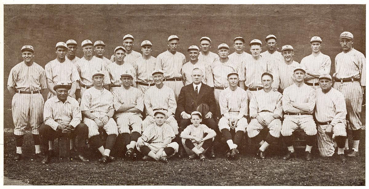1921 New York Giants team photo (SABR-RUCKER ARCHIVE)