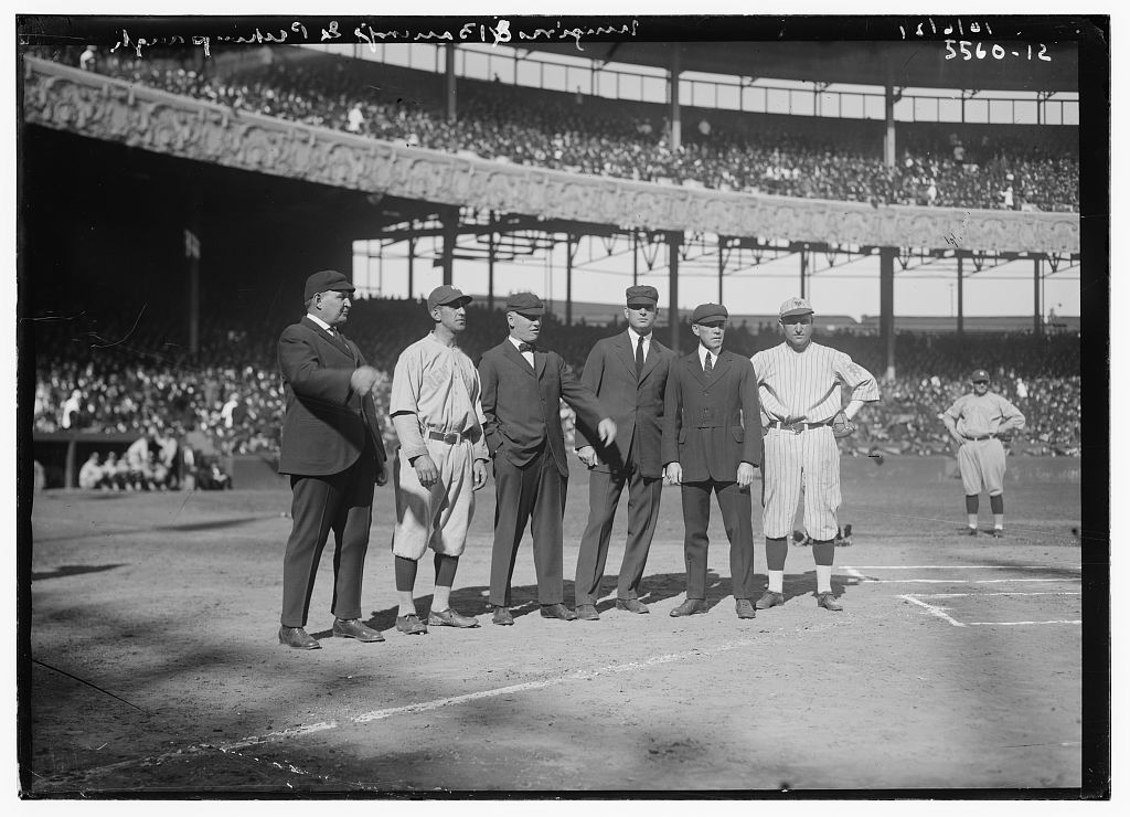 New York Yankees captain Roger Peckinpaugh, second from left, and New York Giants captain Dave Bancroft, far right, pose with umpires before Game One of the 1921 World Series at the Polo Grounds in New York (LIBRARY OF CONGRESS, BAIN NEWS SERVICE)